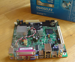 intel-D945GCLF2-little-falls-2-motherboard.jpg